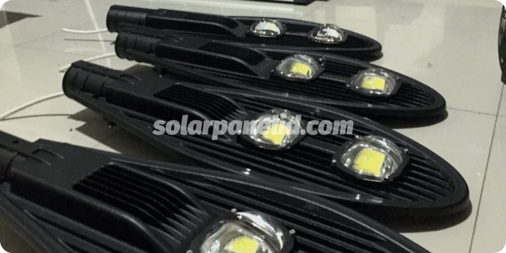 jual lampu pju solarcell 50 watt