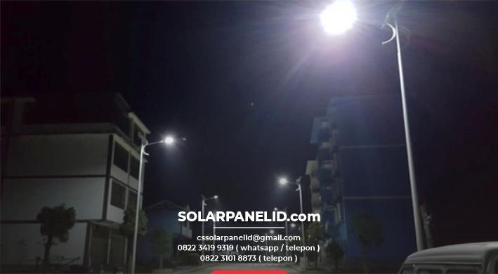 jual lampu pju tenaga surya 2in1 50 watt